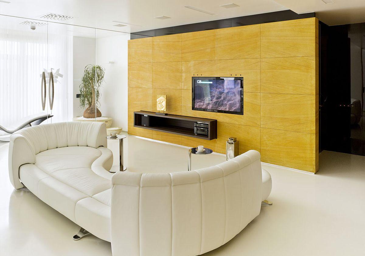 Красивая бело-желтая гостиная