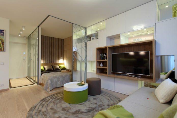 Зеркала в гостиной-спальне без окон