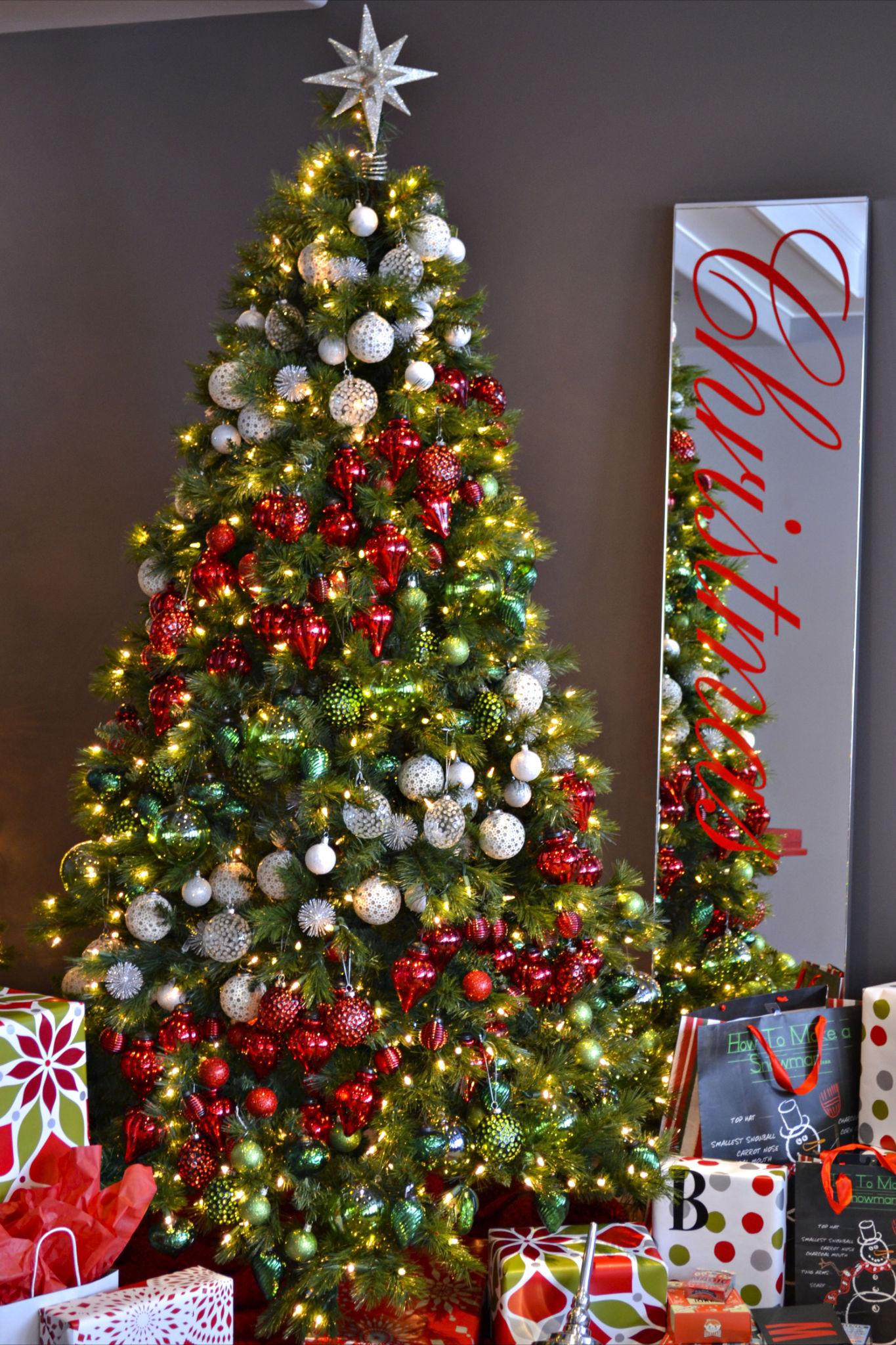 Эффектный декор новогодней елки