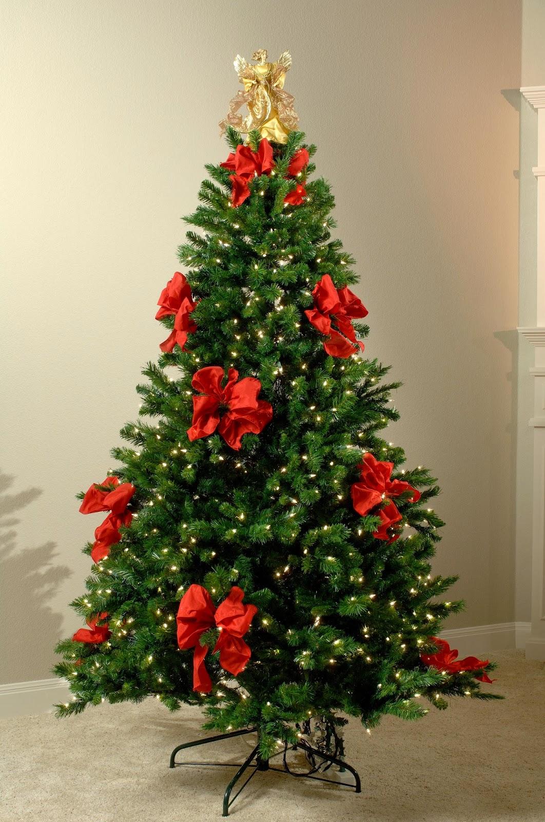 Минималистичный декор елки