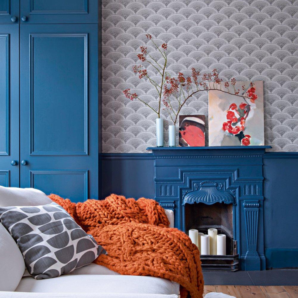 Голубая гостиная с камином