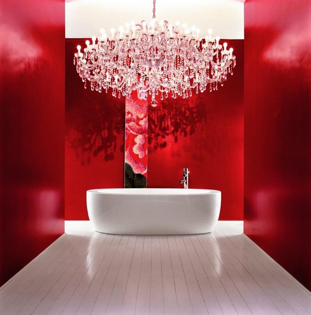 Красно-белая модная ванная