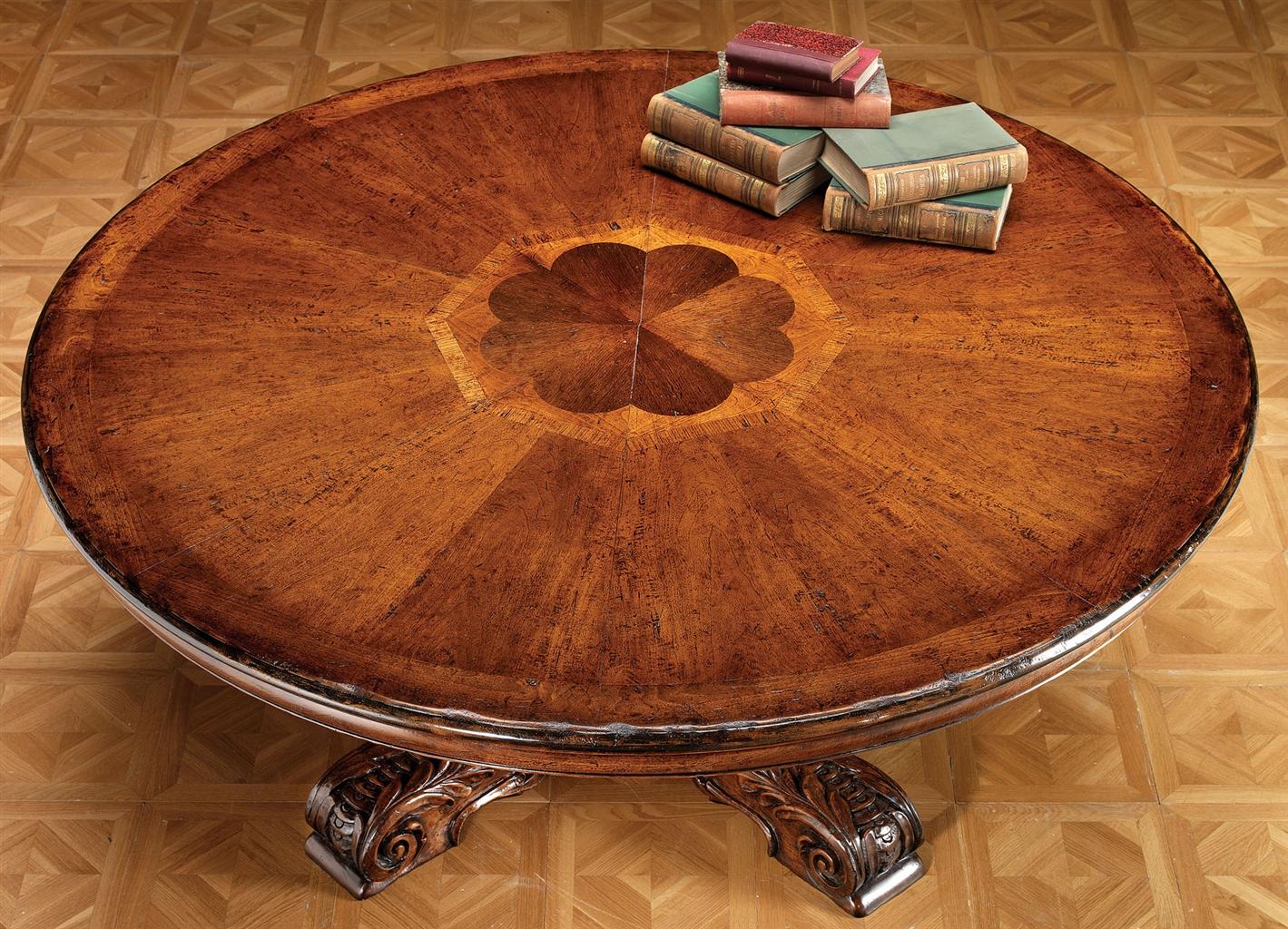 Круглый стол цвета орех