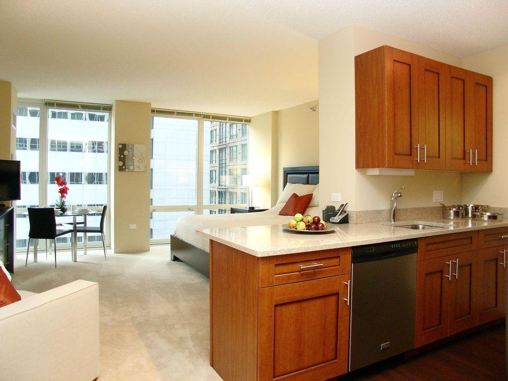 Кухонный гарнитур из вишни