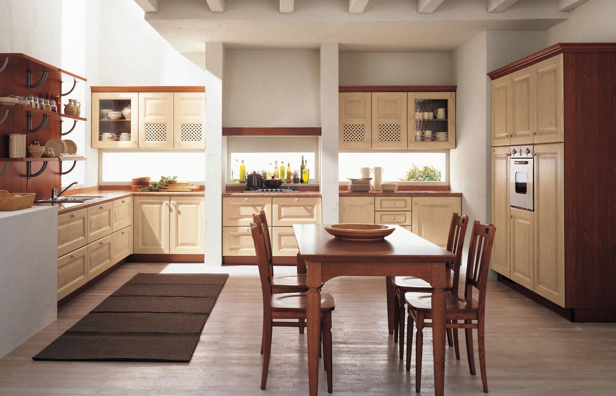Бежево-коричневая кухонная мебель