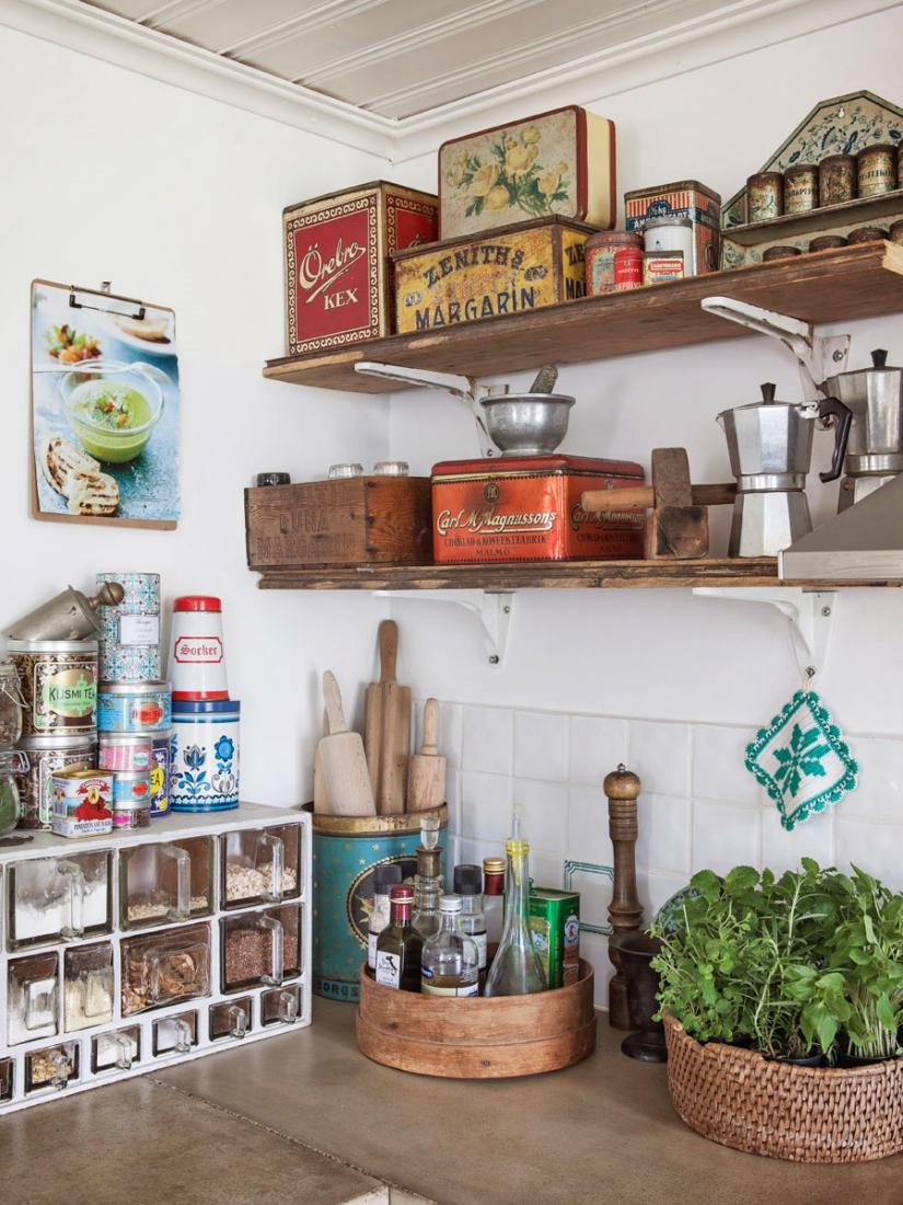 Полки и система хранения на кухне