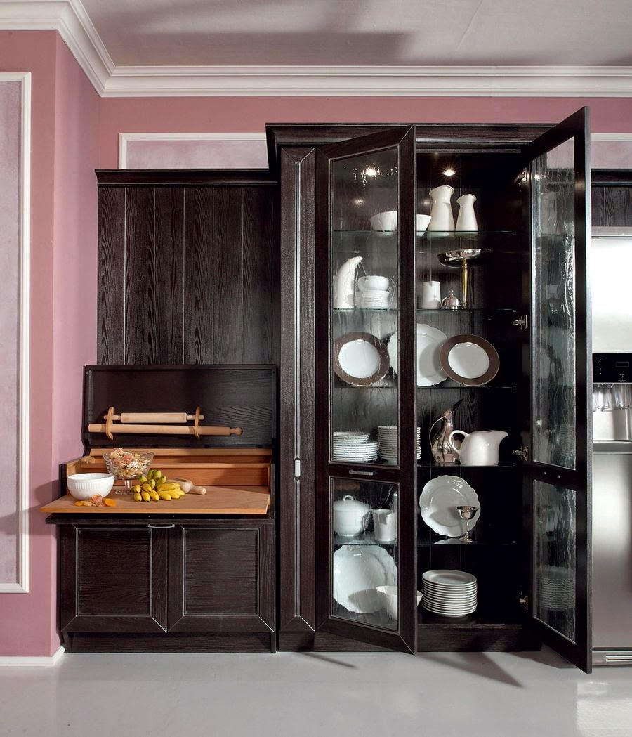 Черный шкаф для посуды и рабочая зона