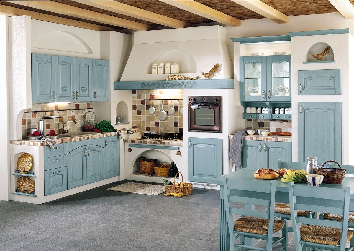 Бело-голубая кухня в стиле кантри