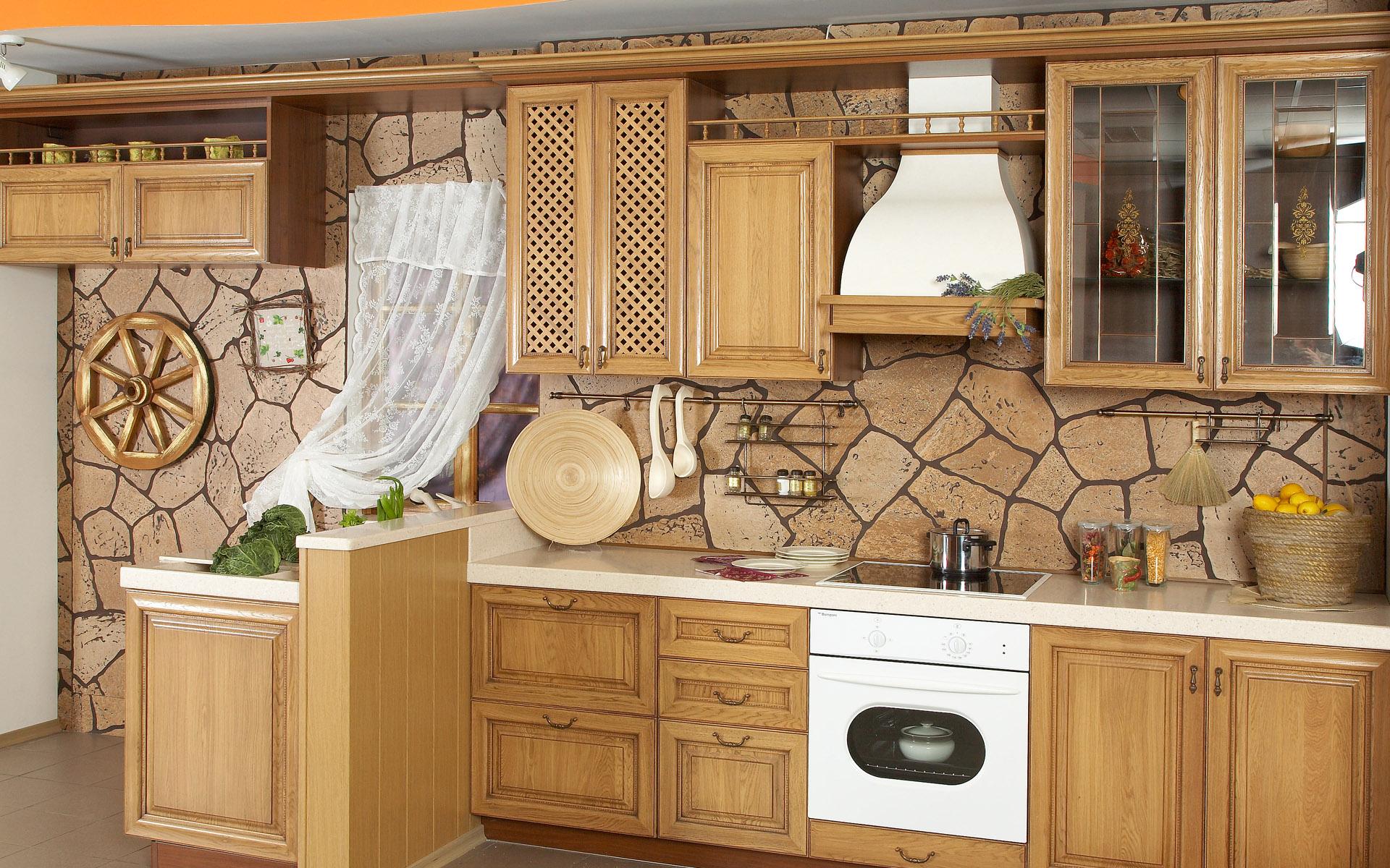 Бело-коричневый интерьер кухни в стиле кантри