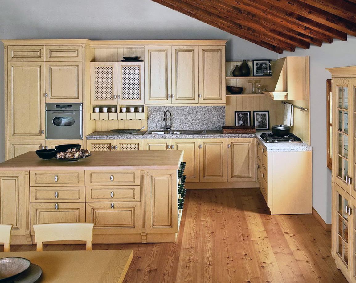 Бежево-серая кухня в стиле кантри