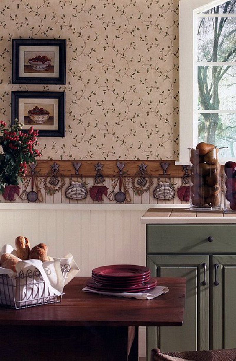 Зеленый, коричневый и белый цвета в интерьере кухни