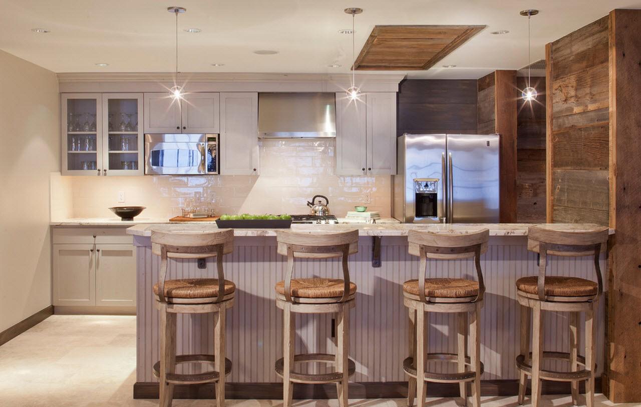 Белый, серый и коричневый цвета в интерьере кухни в стиле кантри