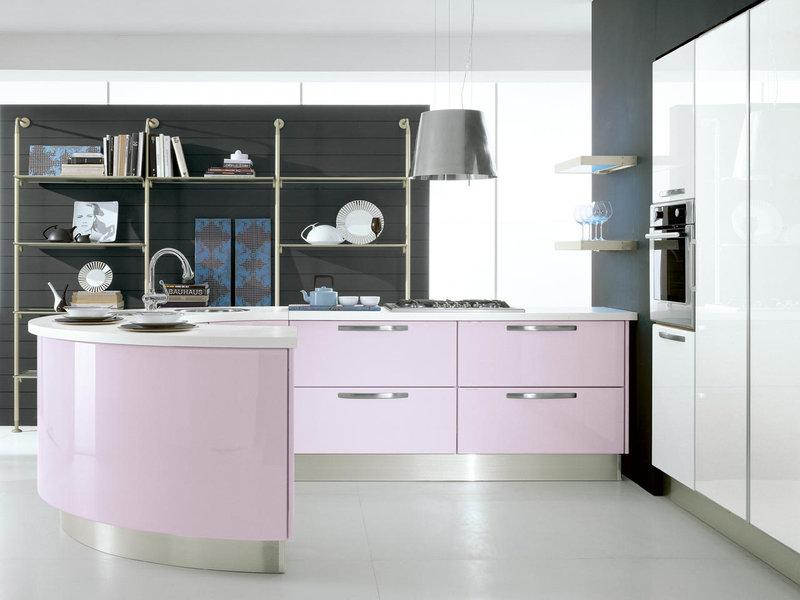 Радиусная кухня светло-розового цвета
