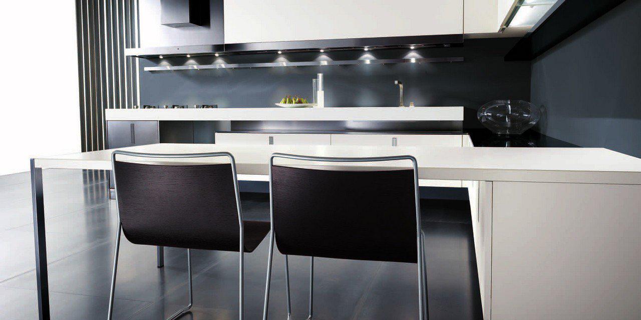 Приоритет черного в дизайне кухни