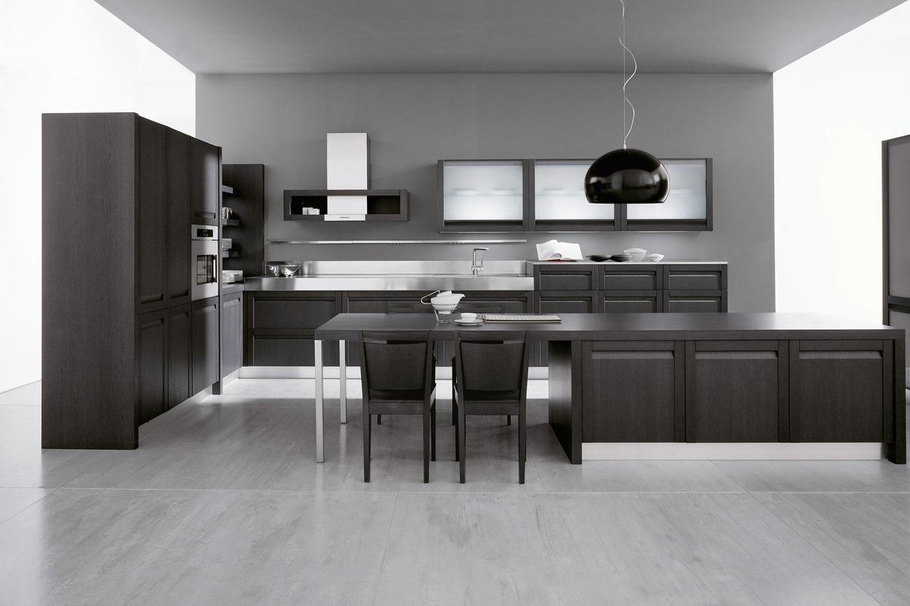 Сочетание белого, черного и серого цветов на кухне