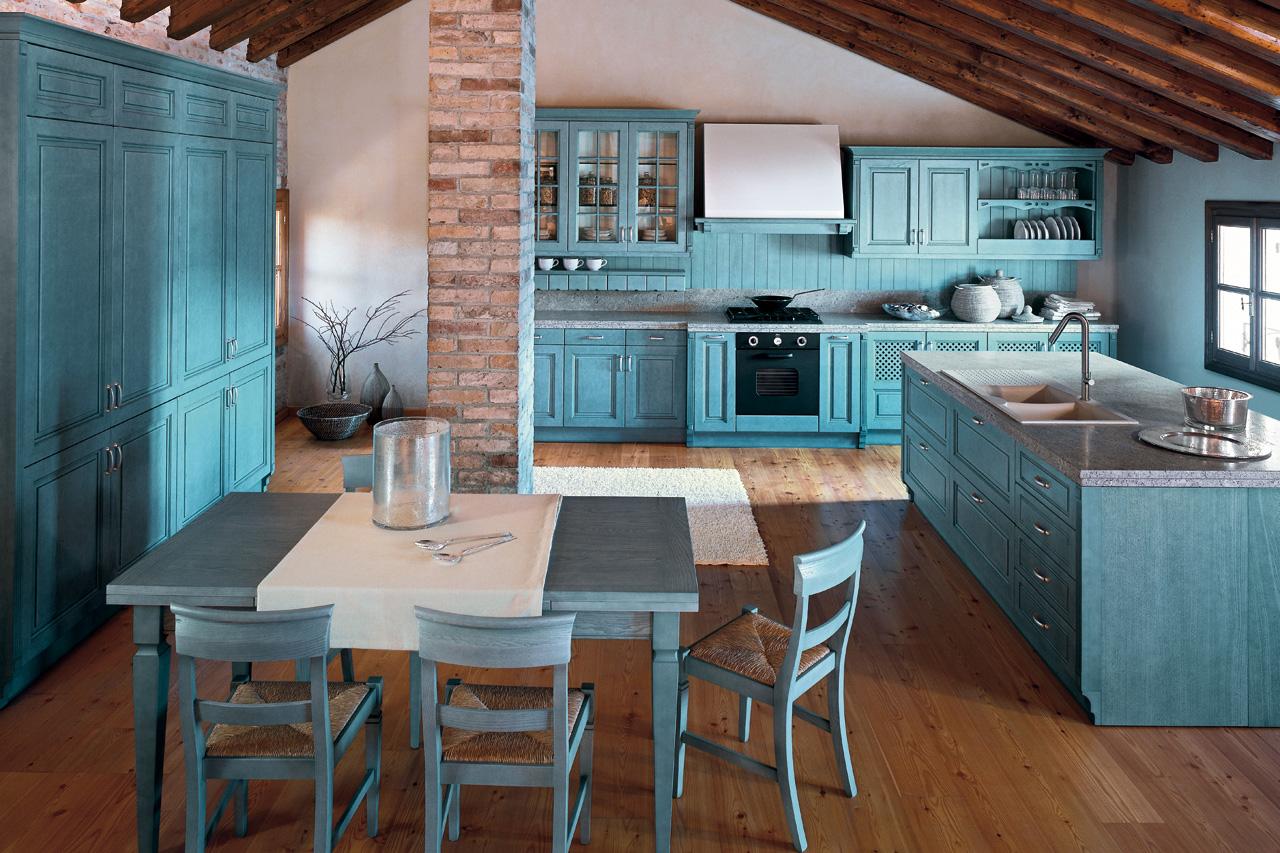 Большая голубая кухня в стиле кантри