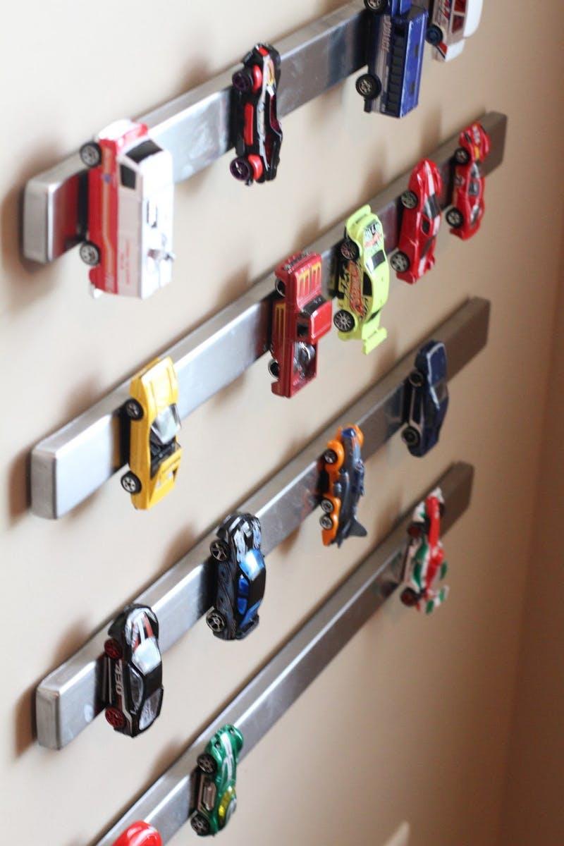 Хранение игрушек на магнитах