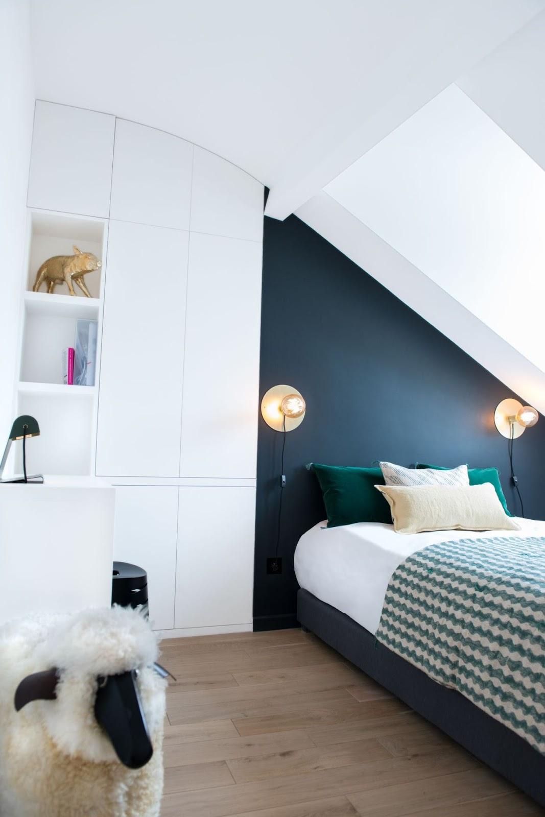 Дизайн спальни 18 кв м на мансарде