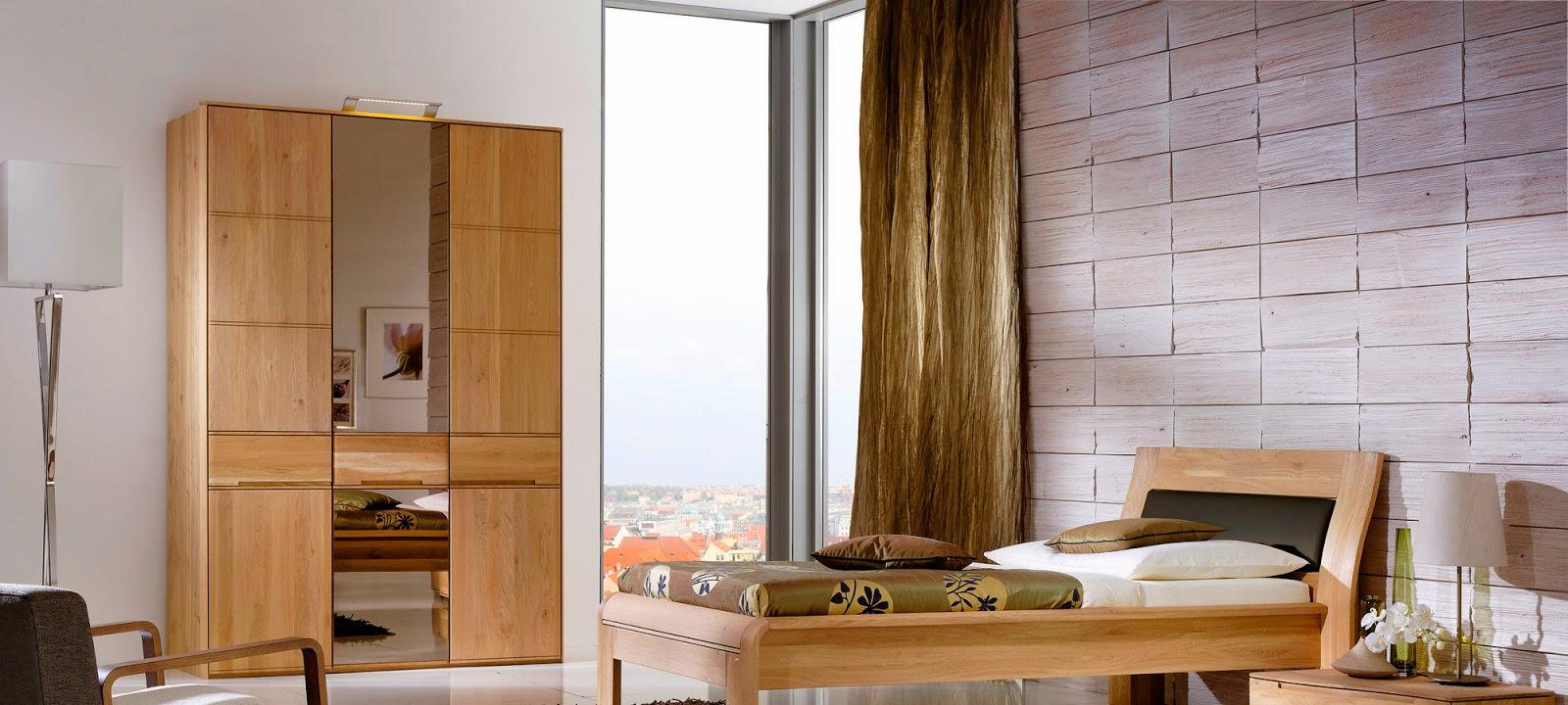 Бежевая мебель из бука в спальне