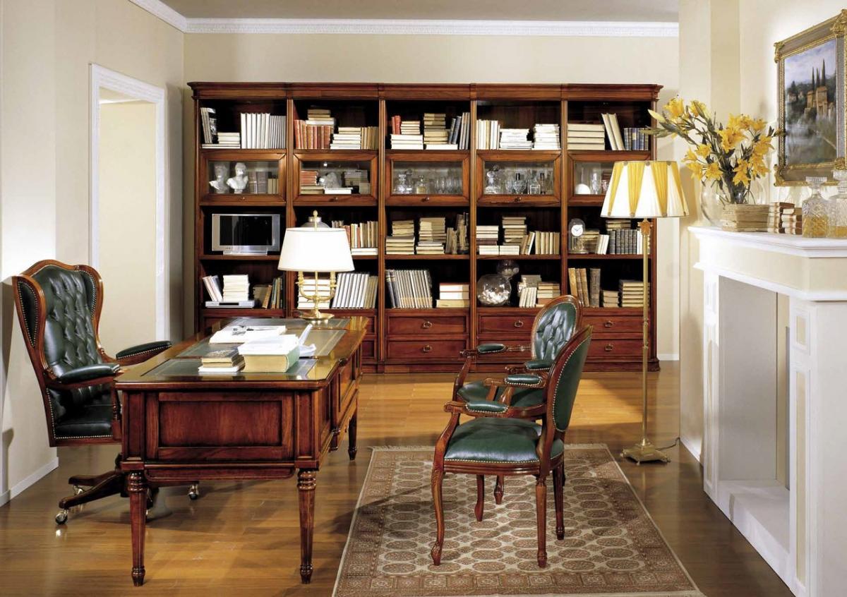 Классическая мебель из бука в кабинете