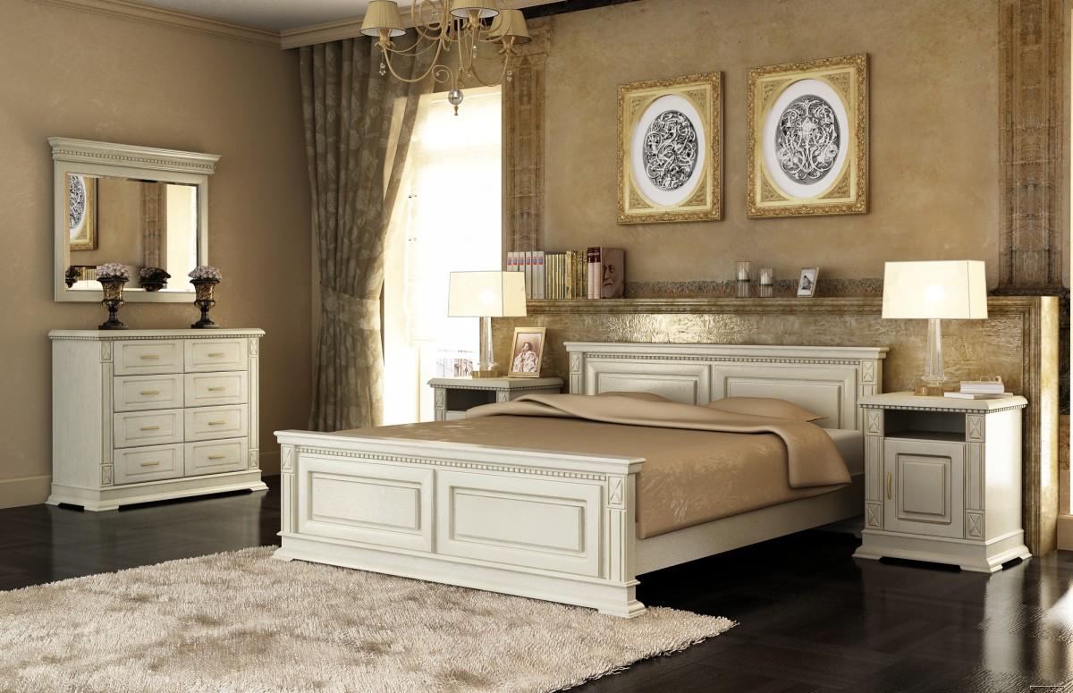 Классическая белая кровать и другая мебель из бука