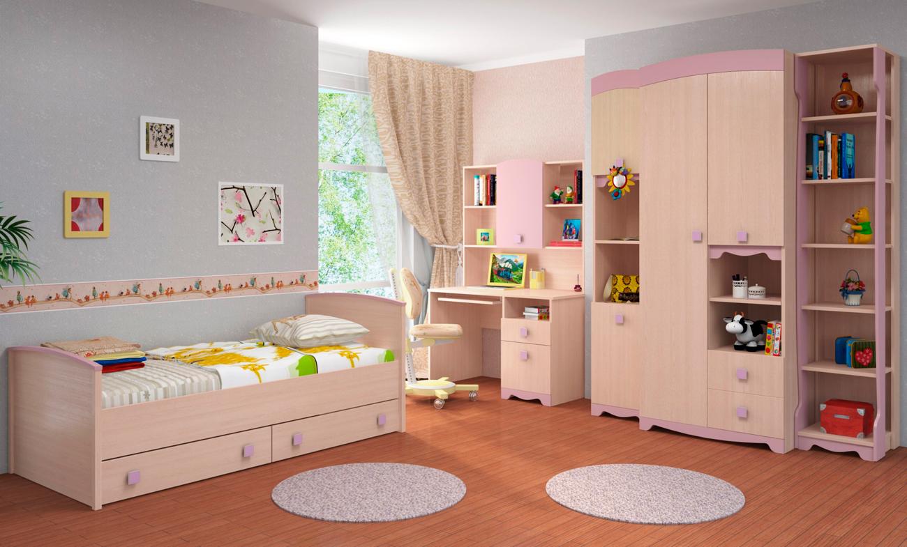 Бежево-розовая мебель из дуба в детской