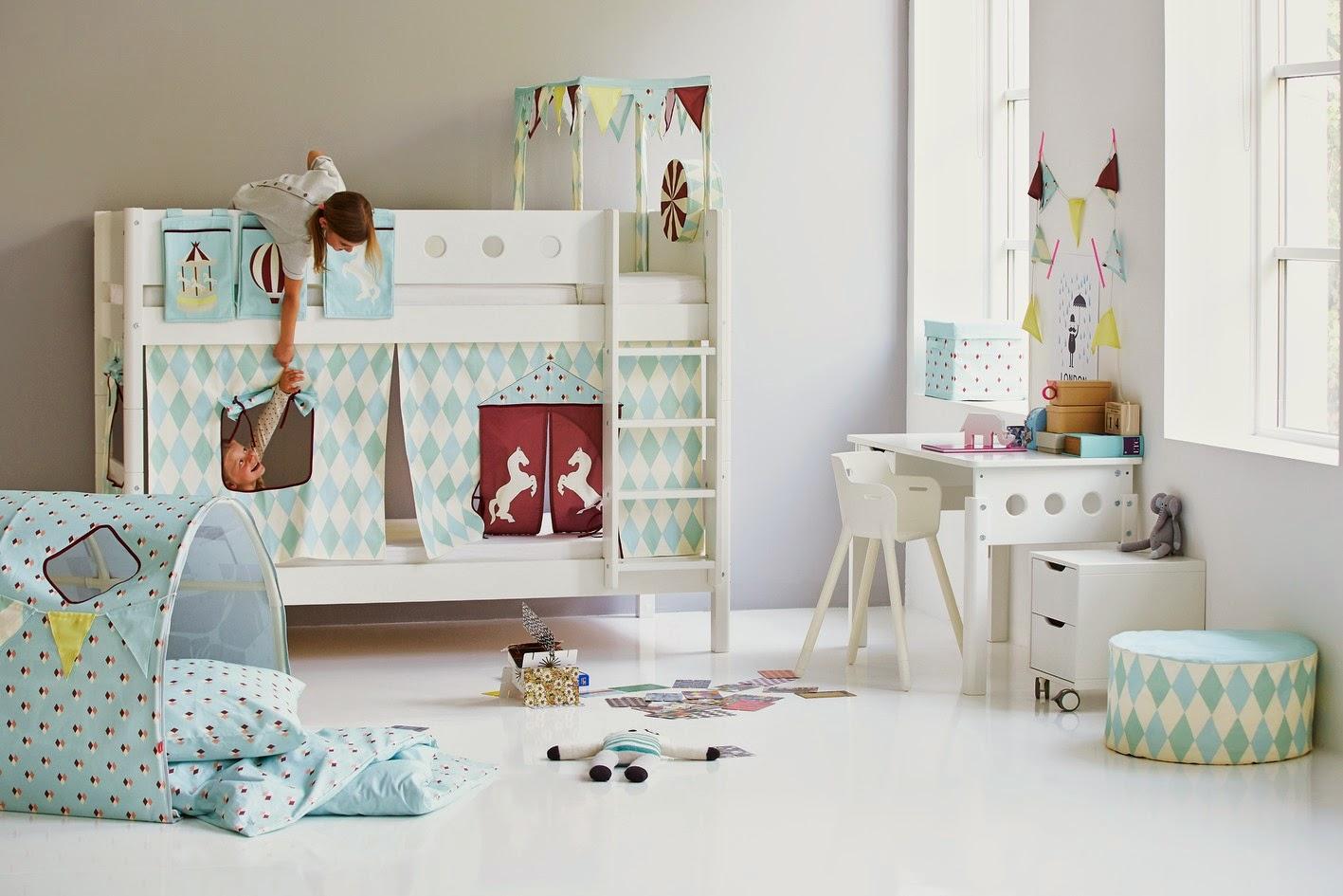 Белая современная детская мебель из дуба