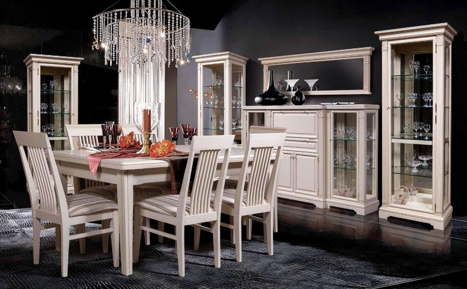 Светло-кремовая мебель для столовой из дуба