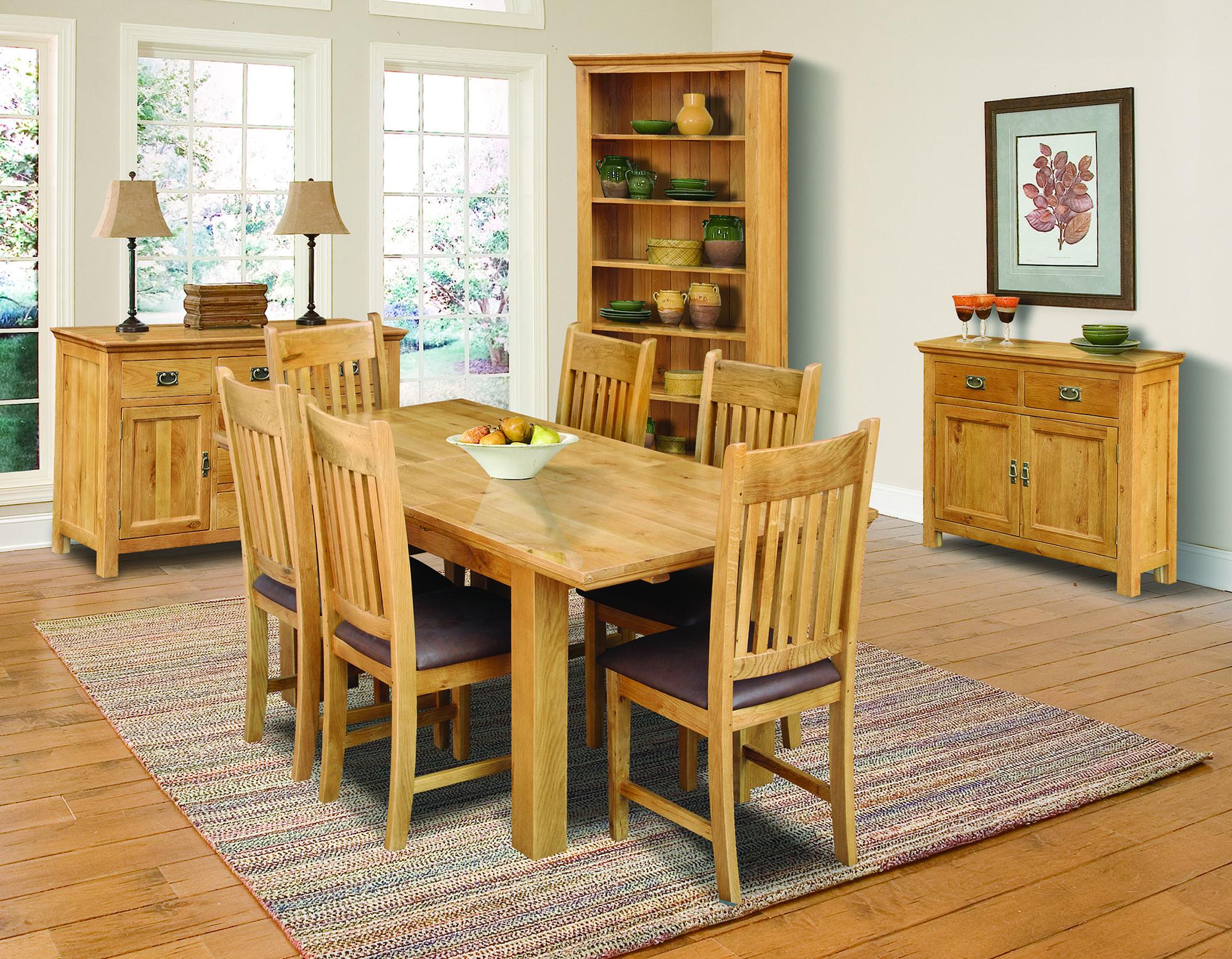 Мебель из сосны для интерьера столовой