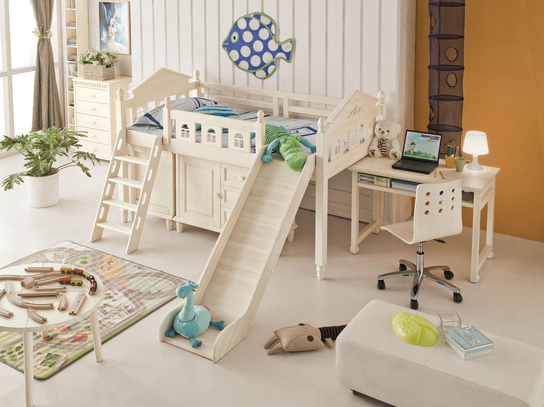 Мебель из сосны в детской