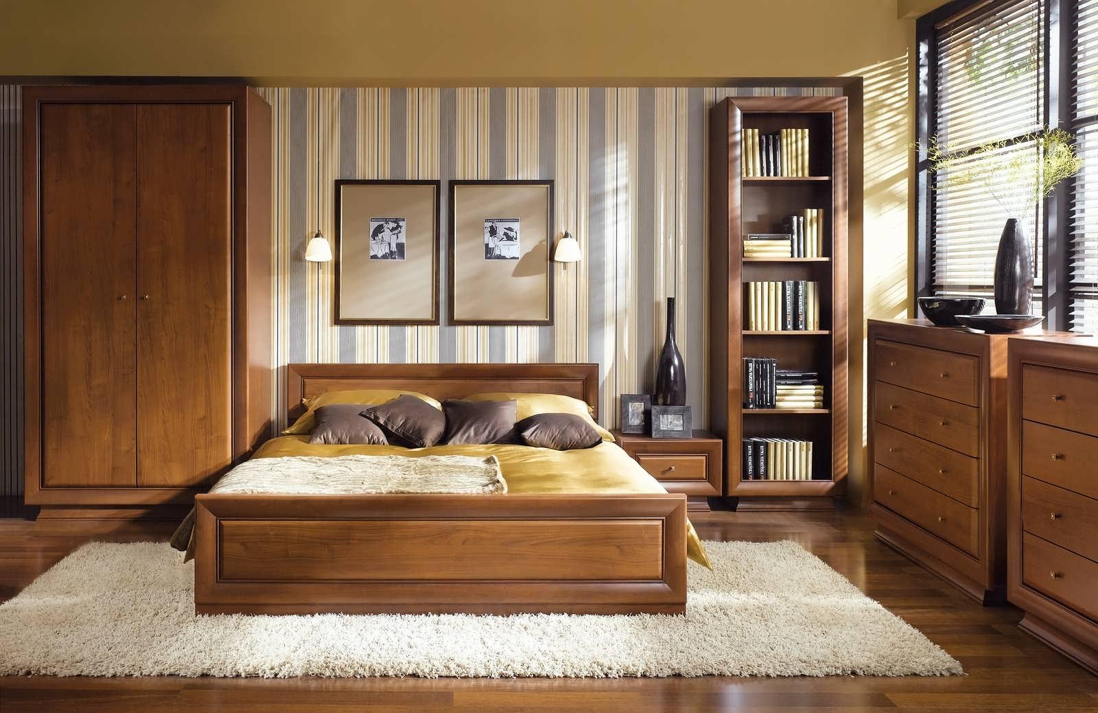 Спальня с мебелью из вишни