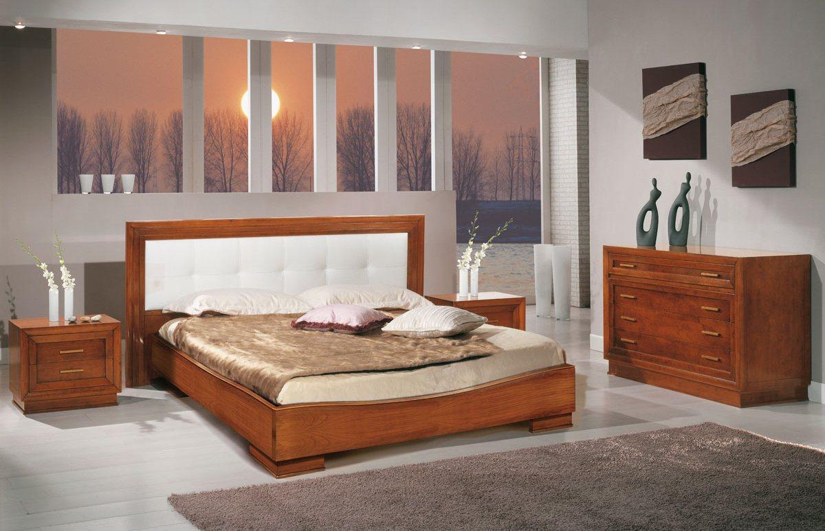 Простая мебель из вишни для спальни