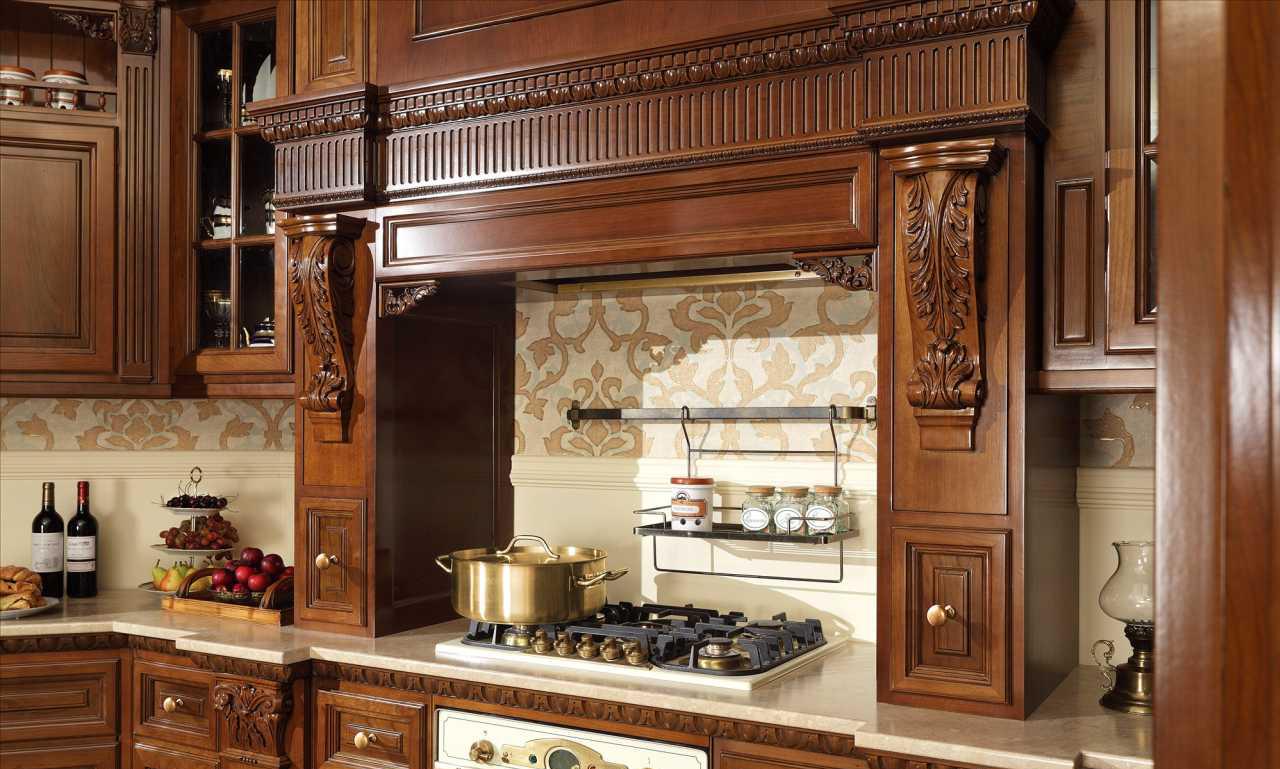 Кухонный фасад из вишни