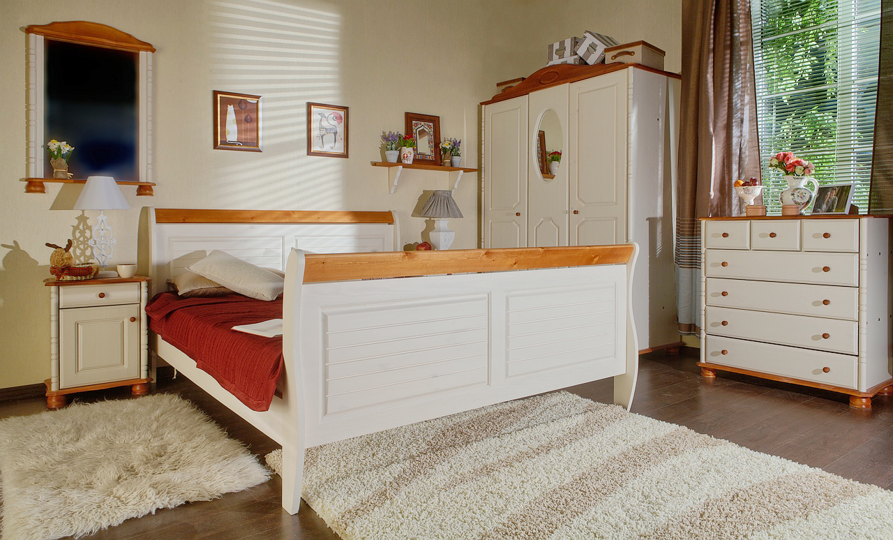 Мебель для спальни из вишни и клена
