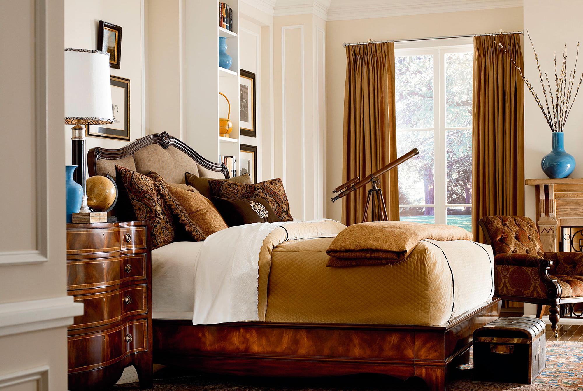Комод и кровать из вишни