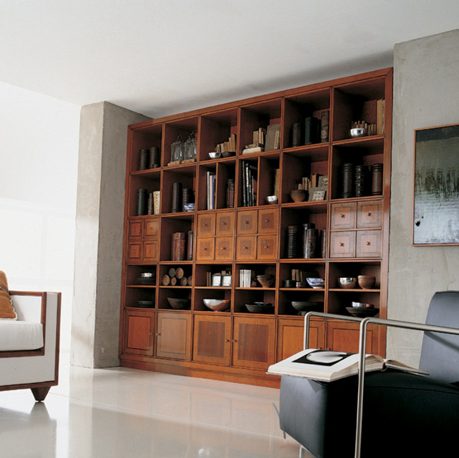 Встроенный шкаф из вишни