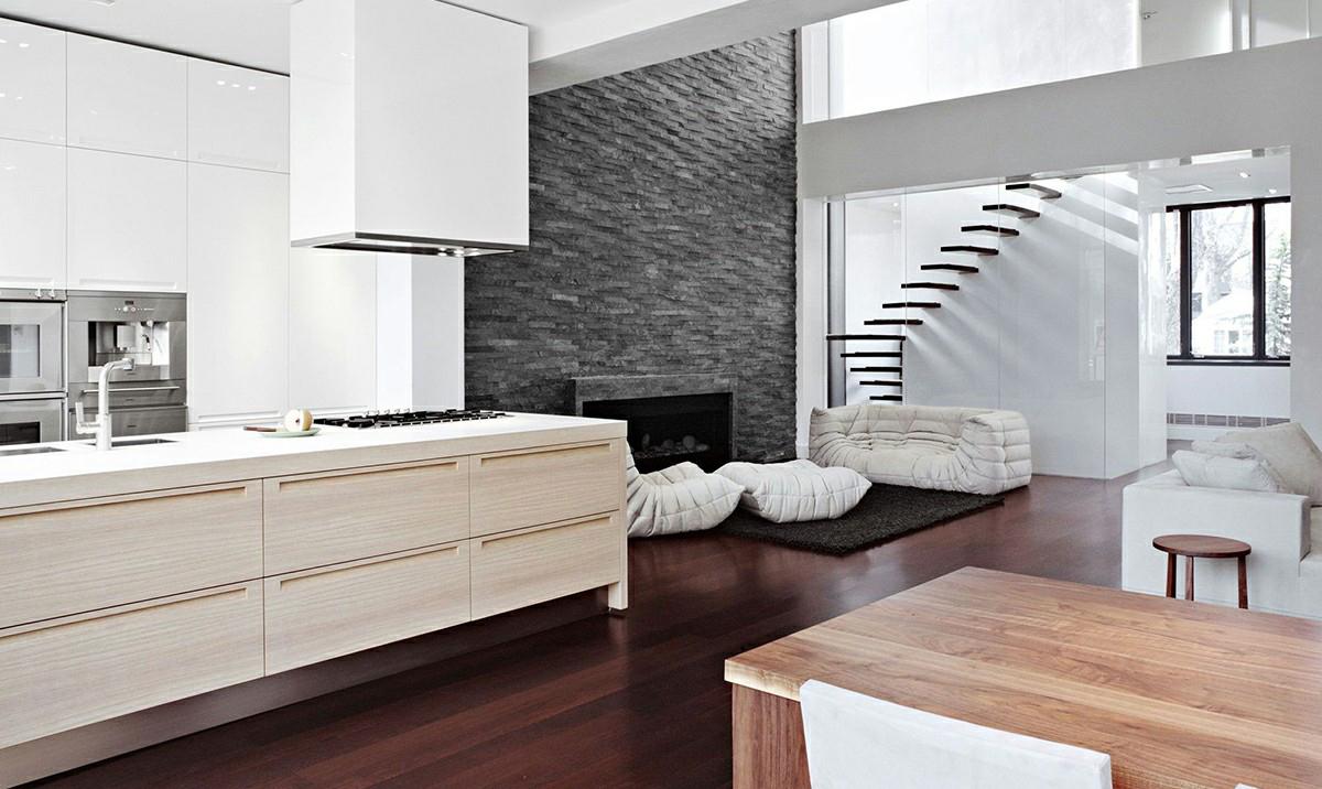 Бежевая мебель из ясеня в современной кухне