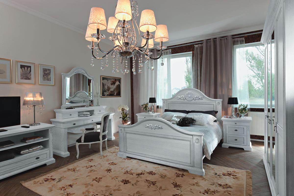 Белая мебель из ясеня в спальне