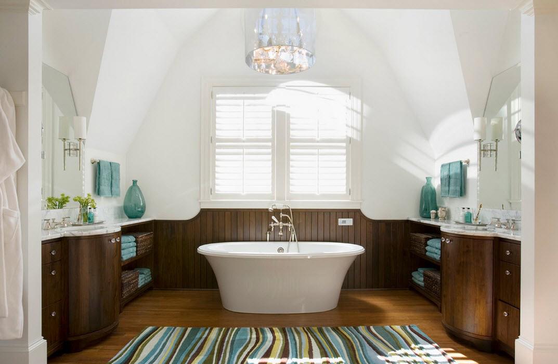 Частичная отделка стен в ванной орехом