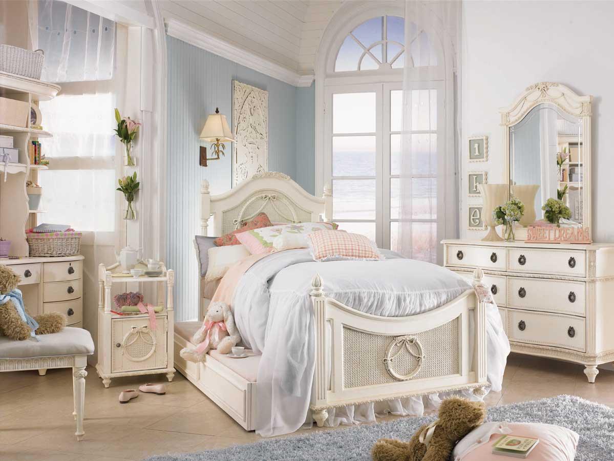 Кремовая мебель прованс для детской
