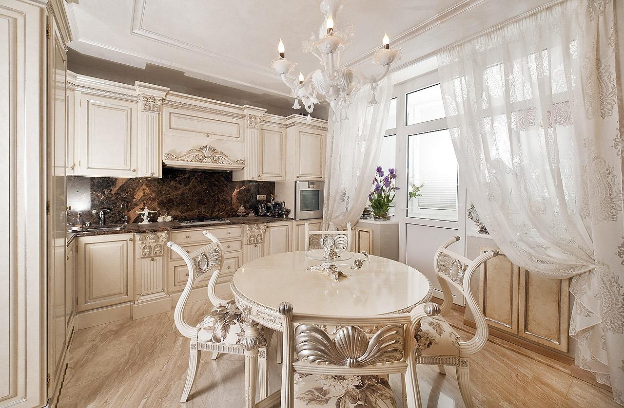 Кухня в светлых тонах в классическом стиле