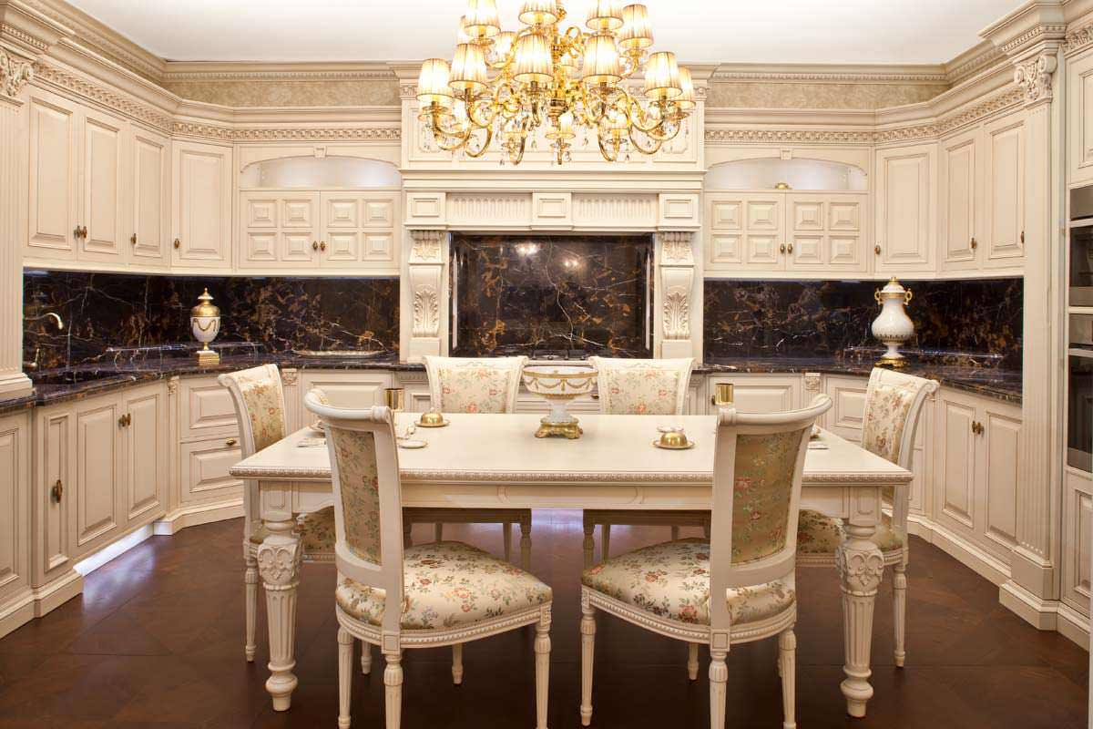 Кухня-столовая в классическом стиле