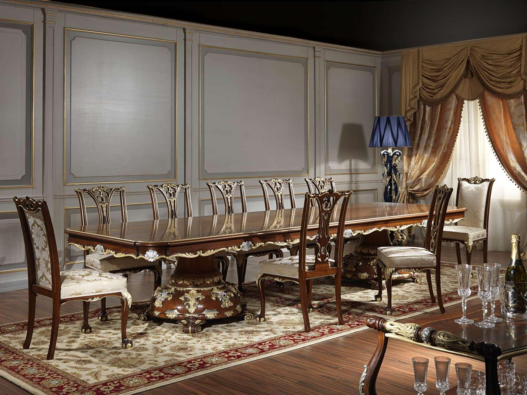 Деревянная классическая мебель в столовой