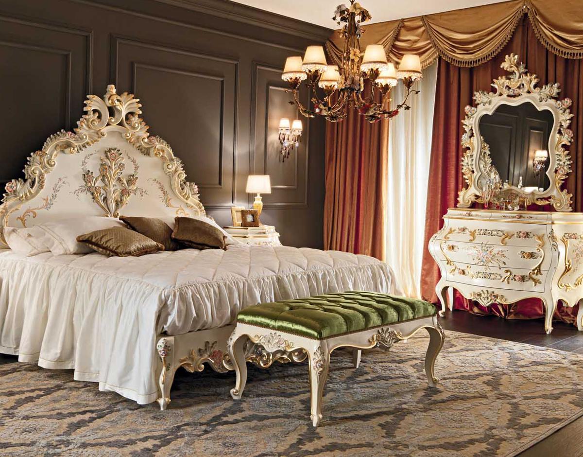 Роскошная классическая спальня