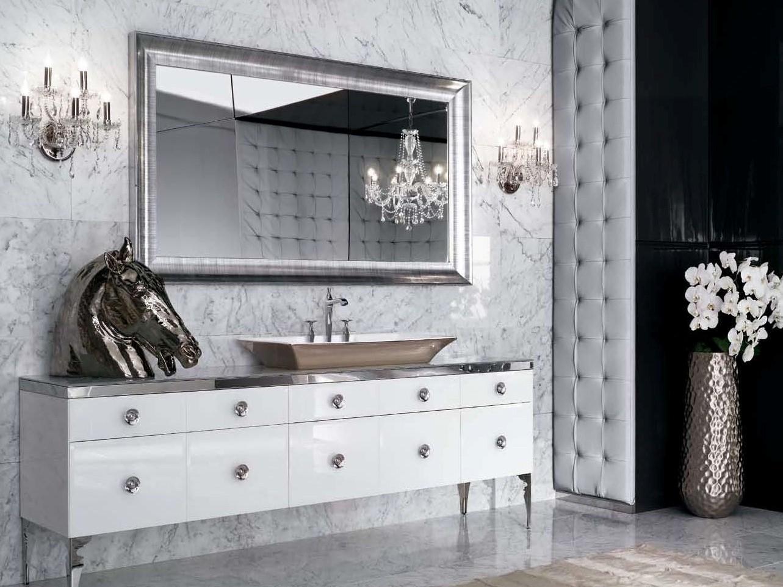 Красивая мебель и декор для ванной в стиле арт-деко