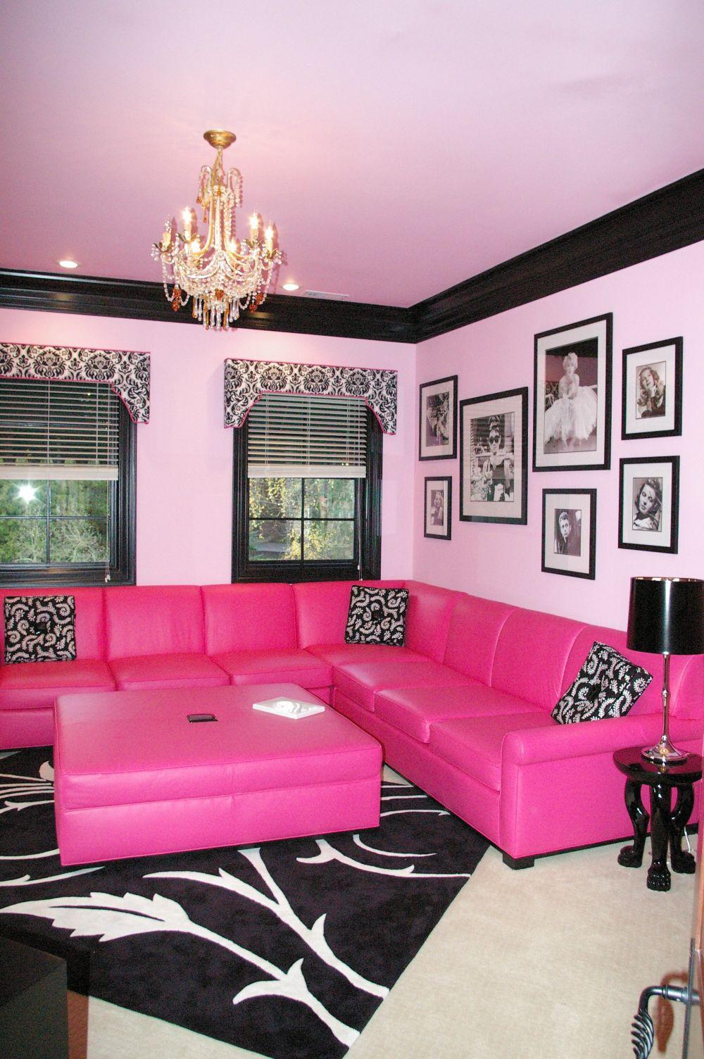 Розовый диван в интерьере арт-деко