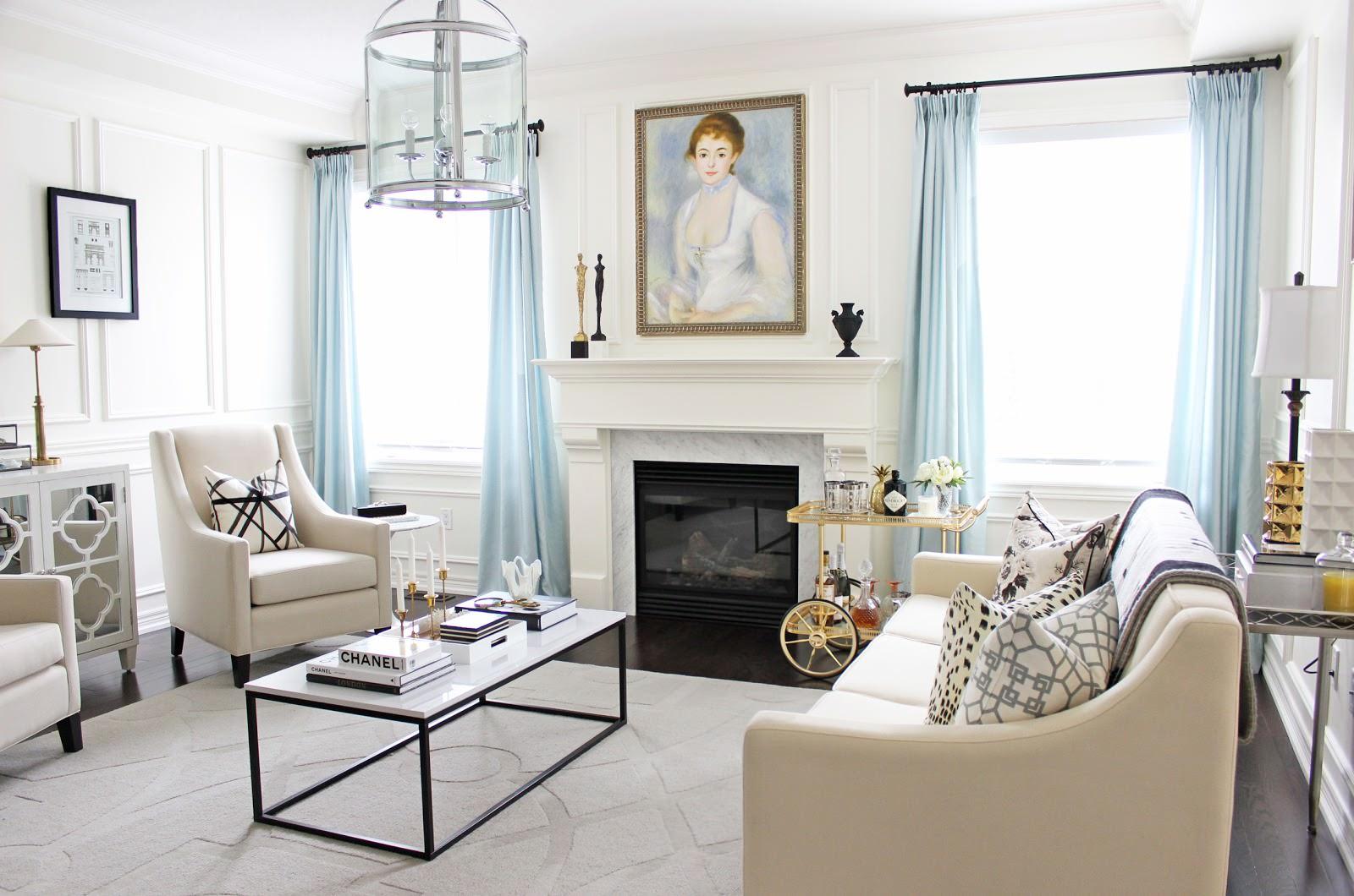 Гостиная в бело-голубых тонах в стиле арт-деко