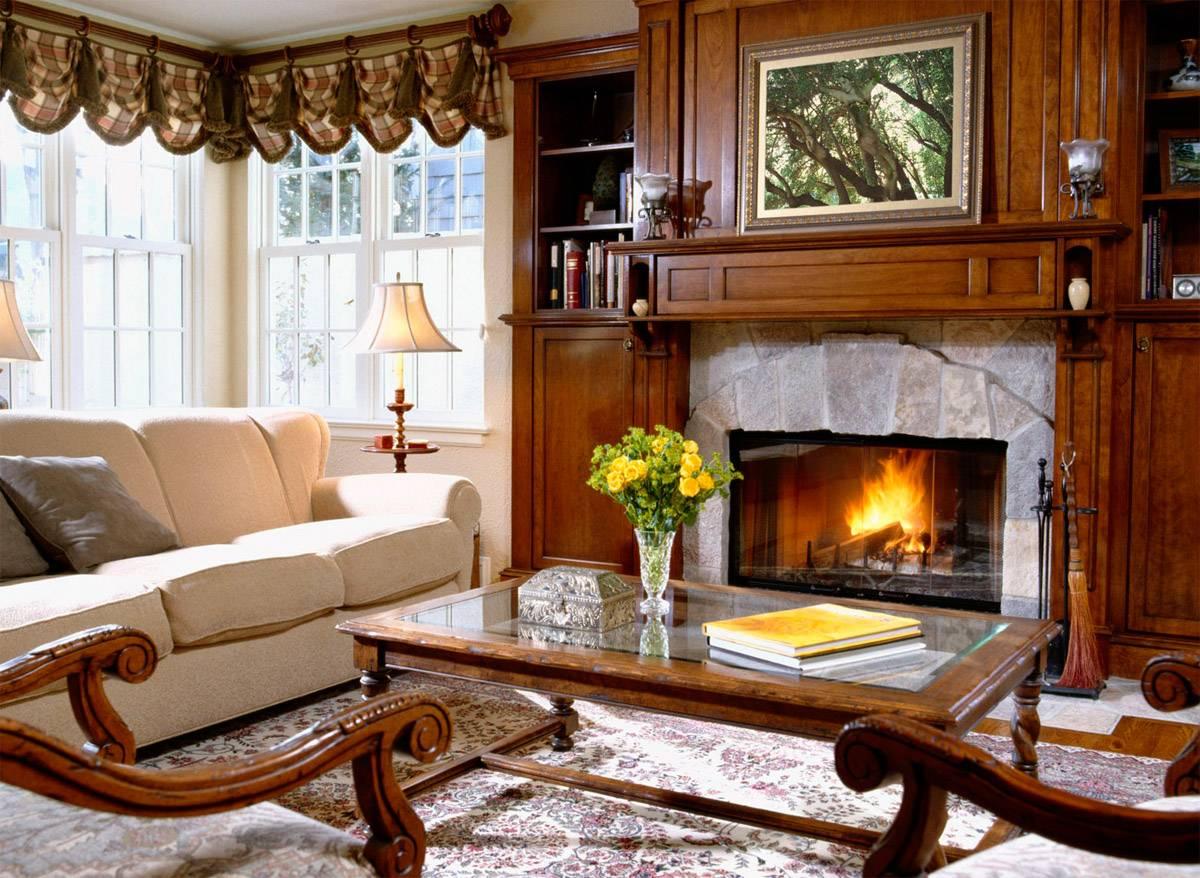 Мебель в гостиной с камином в стиле кантри
