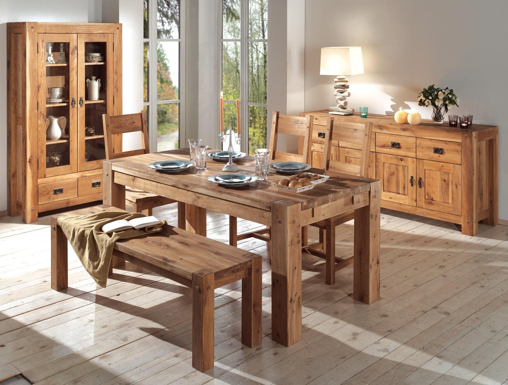 Деревянная мебель для кухни в стиле кантри