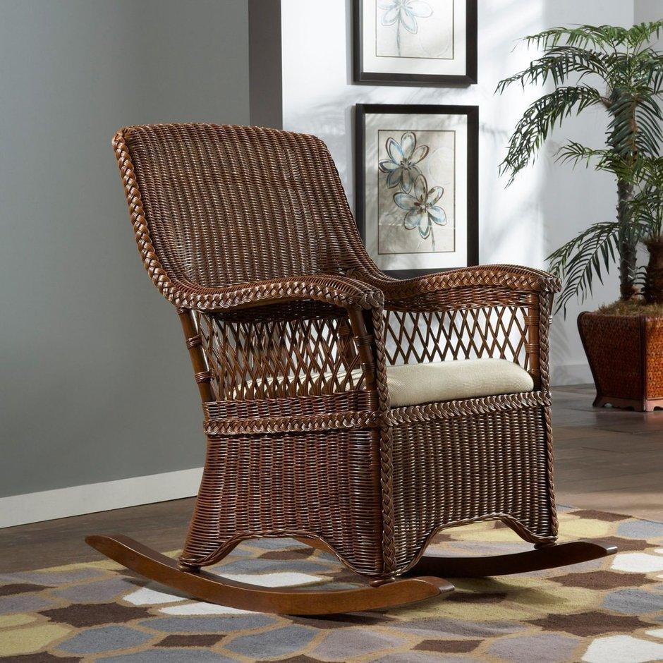 Плетеное кресло-качалка в стиле кантри